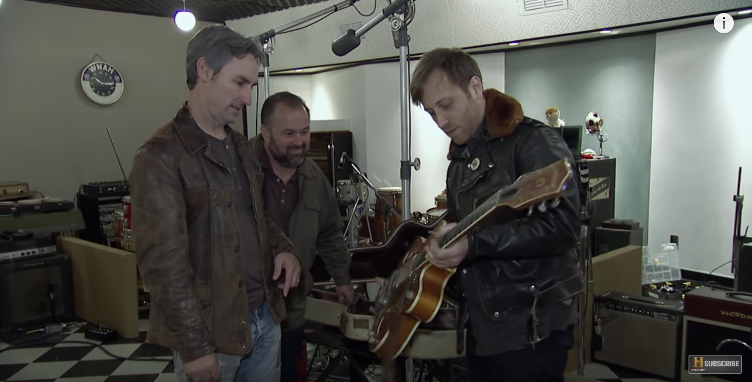 Dan Auerbach Dons Cover of 'Vintage Guitar'; Talks New Album 'Let's Rock' and Recording Gear